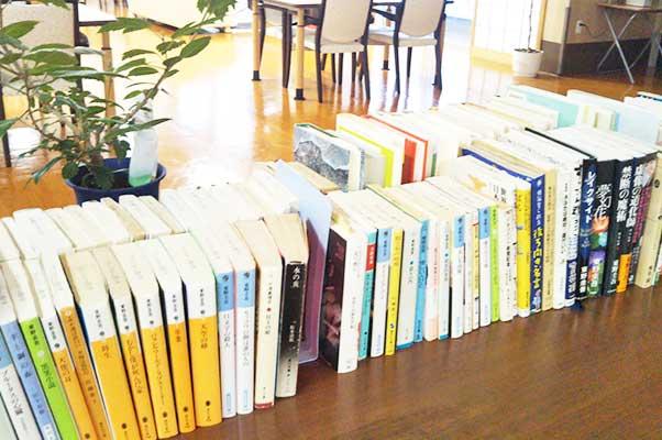 図書コーナー02