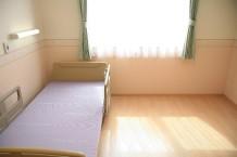 使いやすくゆったり明るい居室になります