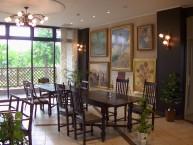 喫茶・絵画スペース