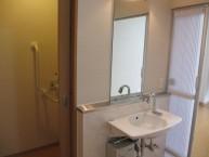 居室には専用の洗面台もあり車椅子の方でも利用できます