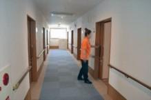 各居室へ通じる廊下は幅を広くとり、車いすでも広々とご利用いただけます。