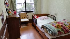 冷暖房・タンス・電動ベッドを完備しており、ゆっくり、ゆったりして頂けるお部屋になっています