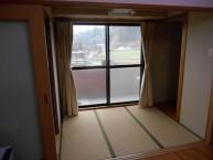 居室内 和室3帖と収納スペース