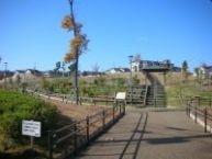 ポルト・ローサ小野原から徒歩一分の距離にある松出公園です。